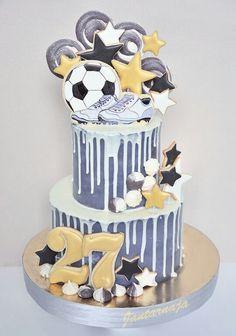 בכל גיל, עוגת כדורגל boys will be boys..