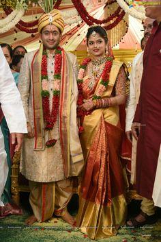 Mani Indian Bridal Sarees, Bridal Silk Saree, Indian Beauty Saree, Couple Wedding Dress, Indian Wedding Couple, Indian Weddings, Indian Groom Wear, South Indian Bride, Indian Wear