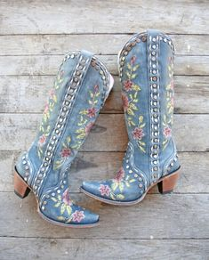 Blue Cowboy Boots, Cowboy Boots Women, Western Boots, Black Boots, Turquoise Boots, Granny Style, Modern Vintage Fashion, Vintage Style, Wedding Boots