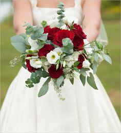 red wedding bouquet #weddingbouquet #redbouquet @weddingchicks