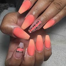 Znalezione obrazy dla zapytania matte nails with rhinestones
