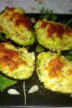 アボカド2個分) アボカド2個 ツナ缶1個 マヨネーズ適量 とろけるチーズお好きなくらい 塩コショウ適