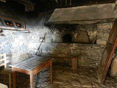 A Bargème, l'aménagement du four communal date en partie du XVIIème siècle, il est demeuré intact et en état de pouvoir fonctionner