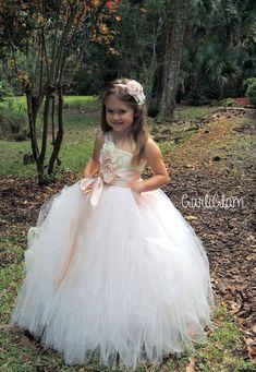 Blush Flower Girl Dress, Flower girl tutu dress, Flower Girl #flowergirl #flowergirltutudress #flowergirldress