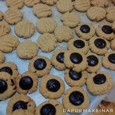 Cookies ketofy  Beberapa hari ke depan produksi aneka cookies pesanan pelanggan... Musim liburan cookies paling cocok untuk bekal Perjalanan (: #cookiesketo  #ketobali #ketofood #ketofoodinbali  #dapurketomakeinar #dapurmakeinar
