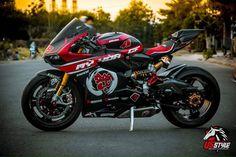 Custom Street Bikes, Custom Bikes, Ducati 1299 Panigale, Ducati Motorbike, Stunt Bike, Sportbikes, Cool Motorcycles, Bike Life, Motorbikes