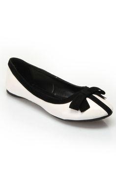Black & White Flats.