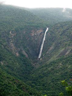 Beautiful sky view of Thalaiyar falls of Kodaikanal Horsetail Falls, Andaman And Nicobar Islands, Bay Of Bengal, Amazing India, Arabian Sea, Sky View, Hill Station, Beautiful Sky, Beautiful Places