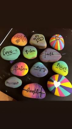 60 Easy Rock Painting Ideas That Will Inspire You Painted Rocks Inspirational Rock Painting Ideas Painted Rocks Gradient Paint Hand Lettering Posca Pens Kindness Rocks Project Rock Painting Patterns, Rock Painting Ideas Easy, Rock Painting Designs, Paint Designs, Paint Ideas, Creative Painting Ideas, Rock Painting Kids, Idea Paint, Pebble Painting