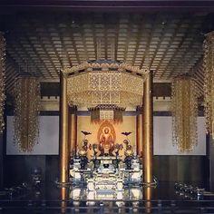 Amidainfinite lighta celestial Buddha with deep perception of the emptiness of phenomena at Zozoji temple . . . #buddha buddhism #buddhist #spiritual #golden #interior #interiordesign #architecture #design #travel #travelgram #traveling #travelphotography #tokyo #東京都 #japan #日本 #japanese #asia
