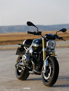 2014 BMW R nineT First Look