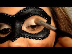 masquerade makeup mask tutorial This is fantastic. Masquerade Mask Makeup, Masquerade Costumes, Masquerade Party, Halloween Make Up, Halloween Face Makeup, Halloween Ideas, Eye Makeup, Hair Makeup, Fantasy Makeup