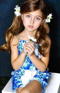 Is this the most beautiful young girl in the world? Beautiful Little Girls, Cute Little Girls, Beautiful Children, Beautiful Babies, Cute Girl Dresses, Cute Girl Outfits, Little Girl Dresses, Little Girl Models, Child Models