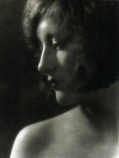 Joan Crawford ca 1920