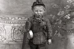 11 haunting photos of child labor from America's past..