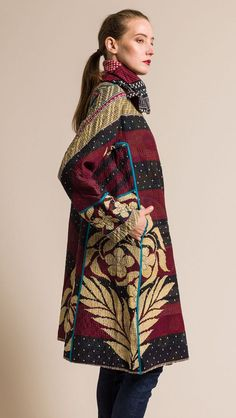 $860.00 | Mieko Mintz Vintage Cotton 4-Layer A-Line Coat in Crimson/Cream | Mieko Mintz creates clothing from vintage saris, which are upcycled into new fashion. The reversible clothing is an artful multi-pattern combination of by Mieko that is then made into kantha fabric. Sold online and in-store at Santa Fe Dry Goods in Santa Fe, New Mexico. 1950s Fashion Trends, New Fashion, Vintage Fashion, Quilted Clothes, 1950s Women, Cool Outfits, Casual Outfits, Santa Fe Dry Goods, Cotton Jacket