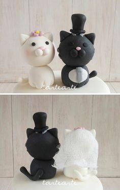 tartearte: Mini-tarta de boda con gatitos!! Polymer Clay Animals, Cake Toppers, Snowman, Disney Characters, Cute, Bride, Mini Pies, Fondant Cakes, Cat Wedding