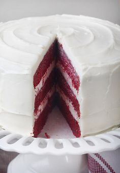 all natural red velvet cake with beets // use this recipe! // 3tb cocoa powder and added buttermilk instead of cream cheese in the cake batter