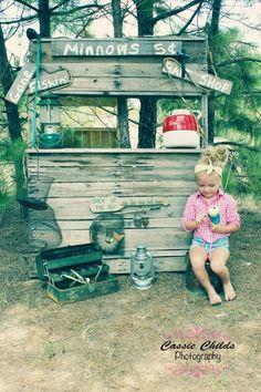 Cassie Childs Photography mini session fishin' pole fishing summer time barefoot fish bait shop  daisy duke minnows mini setup