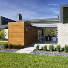 Modern Midwest Landscaping Design, Pictures, Remodel, Decor and Ideas - page 6