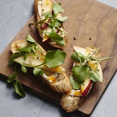 These appetizer toast recipes for bruschetta, crostini and more make perfectly easy party food!