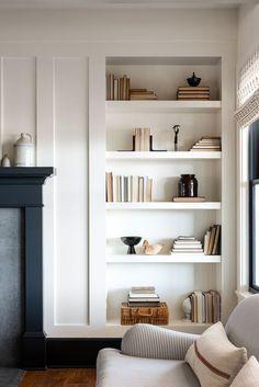 Home Living Room, Living Room Decor, Built In Bookcase, Bookcase Styling, Bookshelves, Deco Design, My New Room, Home Decor Inspiration, Home Interior Design