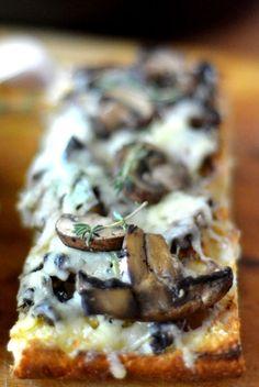 Mushroom & Gruyere Bruschetta by theviewfromgreatisland #Appetizer #Bruschetta #Mushroom #Gruyere