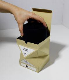 Испанский дизайнер Lucia Cobos разработала конструкцию коробки для упаковки одежды H&M Slow-t, которая после применения по прямому назначению может быть использована как горшок для комнатных растений, семена которых прилагаются, они находятся прямо в бирке одежды, на ней же напечатана инструкция по их выращиванию. Картонная коробка с откидной крышкой имеет нестандартную эффектную граненую форму.  http://am.antech.ru/lMkJ