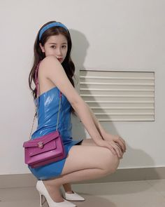 My Amazing Boyfriend, Chinese Actress, Face Claims, Style Icons, Singer, Shoulder Bag, Actresses, Instagram Posts, Cute
