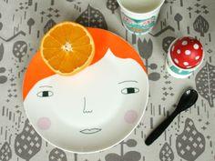 assiette porcelaine visage de fille rousse - red haired girl porcelain plate by  meg donna wilson - funny  coloured cooking utensil - ustensile de cuisine rigolo  de couleur