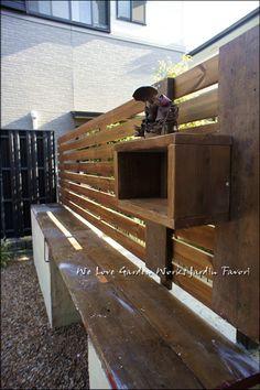 ガーデン棚付ウッドフェンス