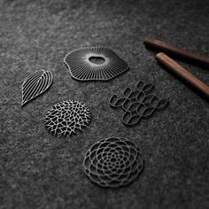 moorigin / Brooches in Black