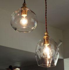 無垢材のドア・ドアノブ・輸入建材をはじめとした、インテリアショップANTRYが提案する家づくりにこだわりを持つ方のためのパーツ専門店です。 Fresco, Futagami, Ceiling Lights, Lighting, Pendant, Interior, Design, Home Decor, Fresh