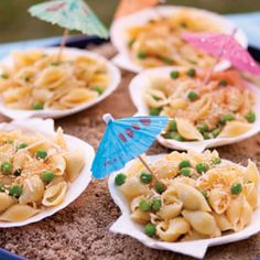 Wedding Cakes Seashell shaped pasta, fun pasta dish for beach-themed parties. Toddler Meals, Kids Meals, Fun Pasta, Pasta Lunch, Boite A Lunch, Beach Meals, Food Themes, Food Ideas, Meal Ideas