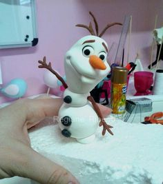 1 million+ Stunning Free Images to Use Anywhere Olaf Frozen, Frozen Cake, Polymer Clay Projects, Clay Crafts, Bolo Olaf, Decors Pate A Sucre, Olaf Cake, Fondant Toppers, Fondant Olaf