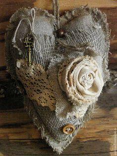"""Купить Текстильное сердце """"Бохо-2"""" - серый, сердце, бохо, винтаж, прованс, интерьерное украшение"""