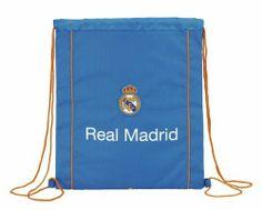 Esta colección de papelería escolar del Real Madrid está basada en la segunda equipación oficial del club blanco para la temporada 2013/2014. El color de fondo de esta nueva línea de material para el cole es el azul. También se utiliza el naranja en los pequeños detalles de la colección, creando un agradable contraste a la vista.  Dimensiones: 35 cm x 40 cm x 0 cm.