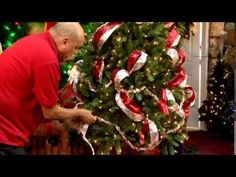 Kevin from Trees n Trends will show you how to decorate a beautiful Christmas garland. In this video he explains some simple but effective design techniques . Christmas Tree Decorations Ribbon, Pre Lit Christmas Tree, Xmas Wreaths, Christmas Ribbon, Christmas Tree Toppers, White Christmas, Christmas Holidays, Christmas Bulbs, Christmas Crafts