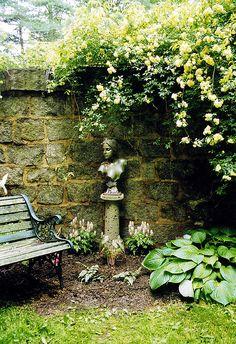 Gardening In The City thepaintedgarden. Wish this twas in my backyard. Dream Garden, Garden Art, Garden Design, Back Gardens, Outdoor Gardens, Garden Structures, Garden Statues, Shade Garden, Garden Inspiration