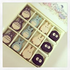 Totoro macarons by Le Sucre Du Patisserie - So cute!! ♥