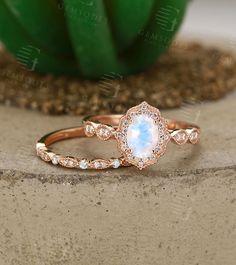 Opal Wedding Ring Set, White Gold Wedding Rings, Gold Rings, Halo Diamond, Diamond Cuts, Diamond Clarity, Engagement Ring Settings, Engagement Rings, College Rings