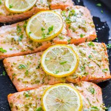 Baked salmon with garlic and dijon is juicy, flaky and flavorful. An easy, excellent salmon recipe. Learn how to bake perfect salmon every time! Salmon Patties, Salmon Burgers, Pie Recipes, Salad Recipes, Kitchen Recipes, Seafood Recipes, Cooking Recipes, Recipe Ratings, 30 Minute Meals