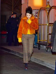 New York January, Selena Gomez Style, Marie Gomez, Her Style, Love Her, Street Style, Outfits, Building, Fashion