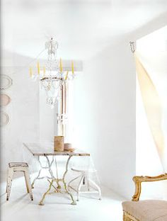 Méchant Design: white and cream Interior Exterior, Home Interior, Interior Decorating, Casa Hygge, Interior Inspiration, Design Inspiration, Sweet Home, Estilo Shabby Chic, Living Comedor