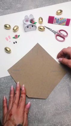 diy crafts for the home ; diy crafts for kids ; diy crafts for adults ; diy crafts to sell ; diy crafts for the home decoration ; diy crafts home Diy Crafts Hacks, Diy Crafts For Gifts, Diy Home Crafts, Diy Arts And Crafts, Creative Crafts, Diy Projects, Cool Paper Crafts, Paper Crafts Origami, Diy Crafts For Teen Girls