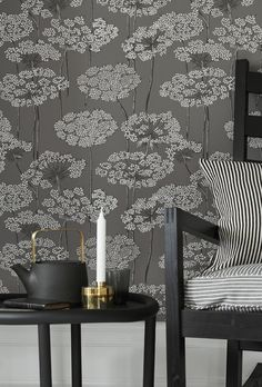 This modern wallpaper option will be your new best friend! A fun floral print that's happy and fresh helps you create a perfect stylish living space. Embossed Wallpaper, Grey Wallpaper, Modern Wallpaper, Geometric Wallpaper, Designer Wallpaper, Wallpaper Roll, Vintage Flowers Wallpaper, Flower Wallpaper, Dandelion Wallpaper