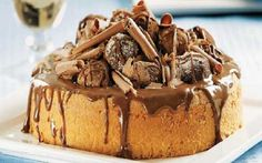 bolo de trufas Sweet Recipes, Cake Recipes, Xmas Food, How Sweet Eats, Chocolate Recipes, Cheesecake, Deserts, Pudding, Yummy Food