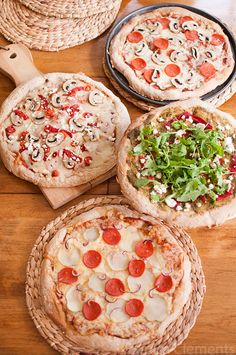 Throw your own pizza party with this easy entertaining guide!