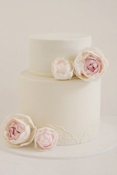 I think I would like something very clean & simple for the cake