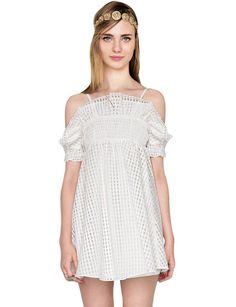 Pin for Later: Der heißeste Ausschnitt, den ihr bis jetzt vielleicht noch nicht getragen habt Pixie Market Off-the-Shoulder Kleid Pixie Market White Gingham Off the Shoulder Dress ($69)